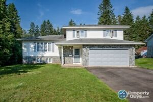 Fantastic 3 bed/3 bath on large lot & close to schools