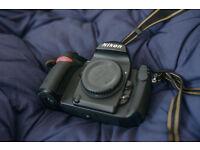 Nikon F6 35mm film SLR Camera w boxed MB-40