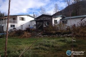 OPEN TO OFFERS home & apartment in Creston ID 196611