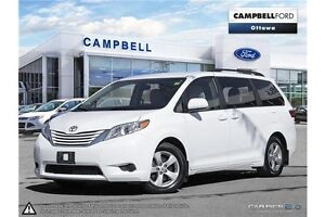 2016 Toyota Sienna LE 8 Passenger--LOADED-LOW KMS