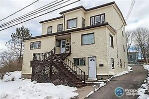Attn Savvy investors. 4 Unit, fully rented. Great income!