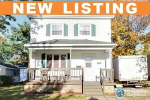 NEW LISTING! Fabulous curb appeal & desirable Sydney location.
