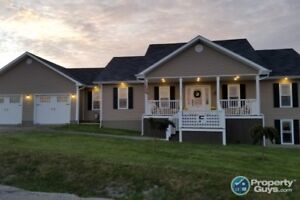 Waterview home with 3 bdrm/2.5 bath & basement apartment!