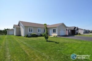 Beautiful 6 yr old, 4 bed family home with the perfect backyard
