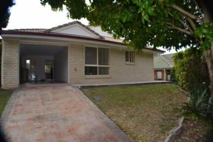 Ground floor 3 bedroom, 2 bathroom unit close to shopping centre Aspley Brisbane North East Preview
