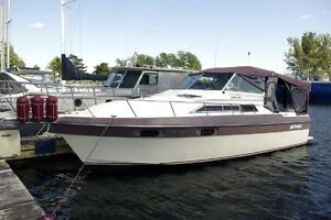 29' Cruisers Yachts 2970 Esprit