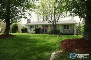 Sweet well maintained 3 bed/3 bath bungalow on corner lot!