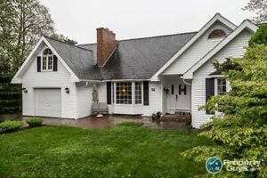 Gorgeous & roomy home in sought after Highland Park