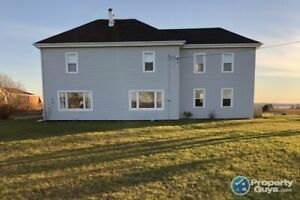 Fully reno'd 3 bdrm/2.5 bath, great location & spectacular view
