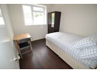 Double Rooms in Turnham Green
