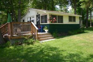 Bobcaygeon - Beautiful Waterfront Cottage on Sturgeon Lake