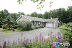 Pictou - Ultra Private, recent upgrades, simply move right in!