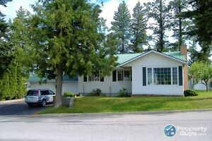 Minutes to town, 4 bedroom in Creston 198243