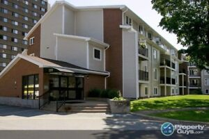 Fantastic 2 bed, 2 level condo walking distance to all amenities