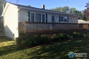 Immaculate 4 bed/2 bath home close to schools & amenities