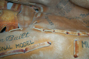 CUSTOM BUILT PROFESSIONAL MODEL LEATHER INFIELDERS GLOVE London Ontario image 3