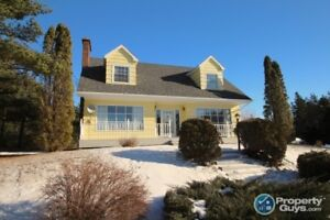 Beautiful 4 bed/3.5 bath, 2272 sf Cape Cod with potential income