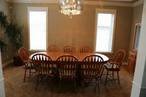 SOLID OAK DINNING ROOM SUITE
