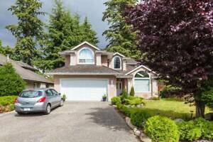 Stylish Villa 5 Bdrm 2.5 bath Fully Furnished in South Surrey