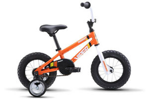 KIDS BIKE AVIGO WORKS WELL WITH TRAINING WHEELS