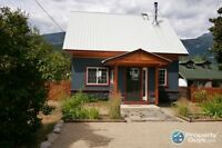 House For Sale in Beautiful Slocan, BC.