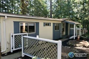 Renovated 3 bed/2 bath mobile in senior's park in Langford