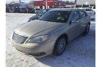 2014 Chrysler 200 Limited GENTLY DRIVEN, MINT CONDITION!