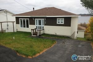 Well maintained home, 3 bed in Glovertown. Waterview!