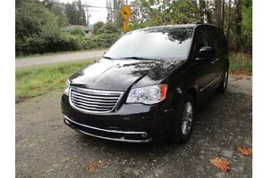 2016 Chrysler Town & Country Touring-L Comox / Courtenay / Cumberland Comox Valley Area image 3