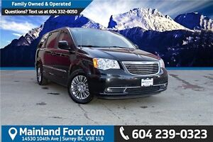 2016 Chrysler Town & Country Touring-L LOCAL, ONE OWNER, NO A...