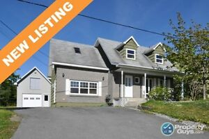 NEW LISTING! Spacious 3 bed, lots of space, detached garage