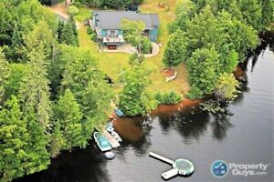 Waterfront, 5 bdrm/5 baths, private on 1.41 Acres