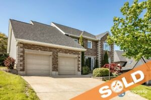 Beautifully appointed executive home in Cresthaven Estates