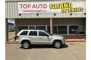 2010 Jeep Grand Cherokee Laredo Good Tires, Leather !!