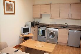 New Studio flat Couples Only £900 Month All Bills Included Private Landlord Great offer for Couple