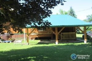 5.2 acres, 3 bed 2.5 bath home in Winlaw #197059