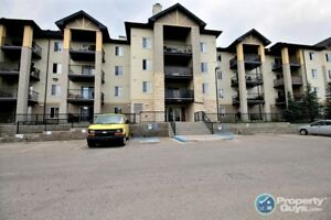 Immaculate 3rd floor unit with 2 beds/2 baths