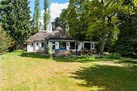 GERRARDS CROSS S. BUCKS.Charming DETACHED PERIOD COTTAGE in Private Gardens 25 mins Central London