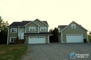 Enfield - Private 2 storey, 4 bed, 3 bath executive family home.