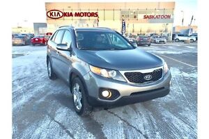 2013 Kia Sorento EX 2 SETS OF TIRES & RIMS, AWD, BACK UP CAMERA!