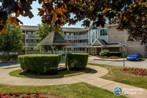 Conveniently located 2 bed condo in Cambria Park