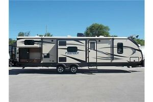 2017 KEYSTONE BULLET PREMIER 34BHPR TRAVEL TRAILER