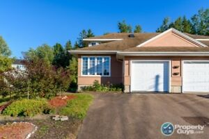 Semi-detached with 1400 sf of space & close to amenities