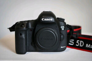 Canon 5D Mark III with warranty from HENRYS camera store