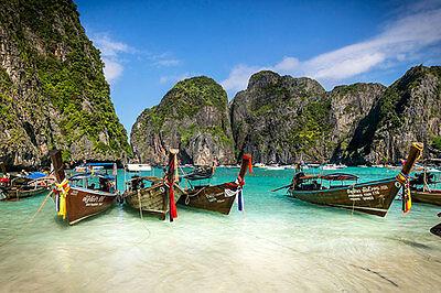 Koh Phi Phi lockt mit Traumbuchten und ist in der Nebensaison nahezu menschenleer. (© Thinkstock über The Digitale)