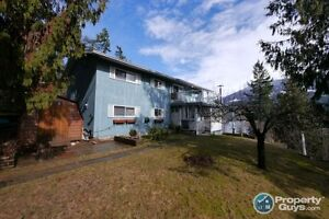 Waterfront family home in Kaslo ID 197716