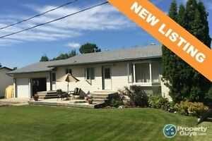 NEW LISTING! Upgraded 1120sf, 4 bed/2 bath, oversized garage