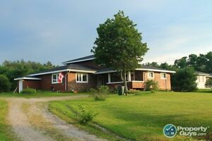 Impressive Home, Country Living, Close to Amenities, +Income