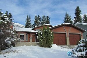 For Sale 161 Coyote Way, Canmore, AB