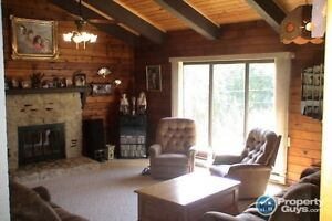 Amazing 4 Bedrooms with mountain views Slocan BC 196277